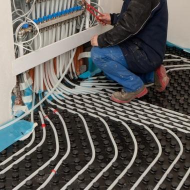 Installation de plancher chauffant - collecteurs